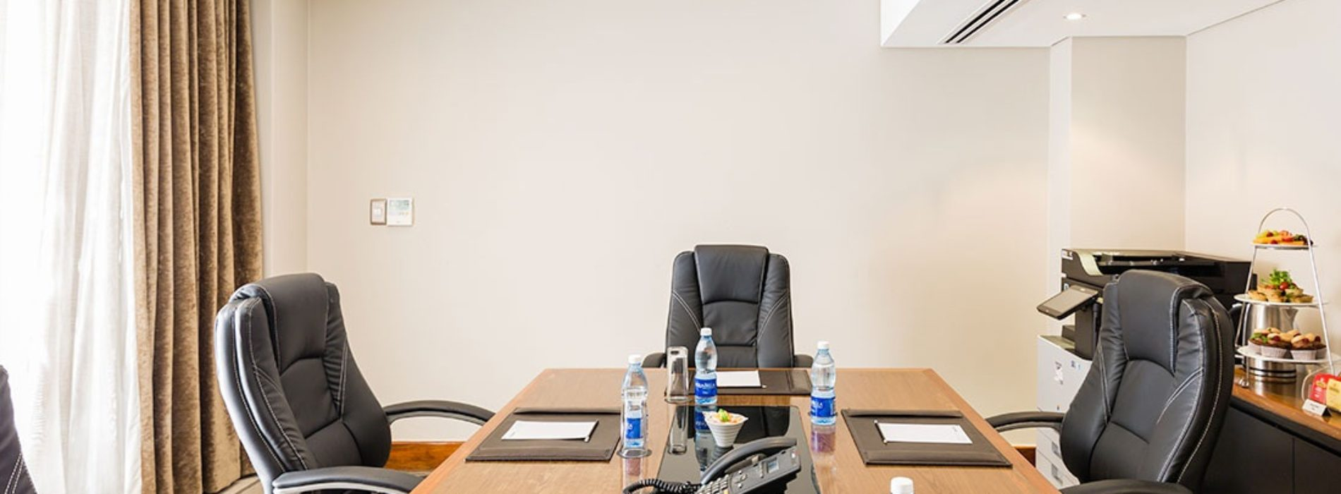 5 Benefits of Using Conference Rooms for Your Business Meetings